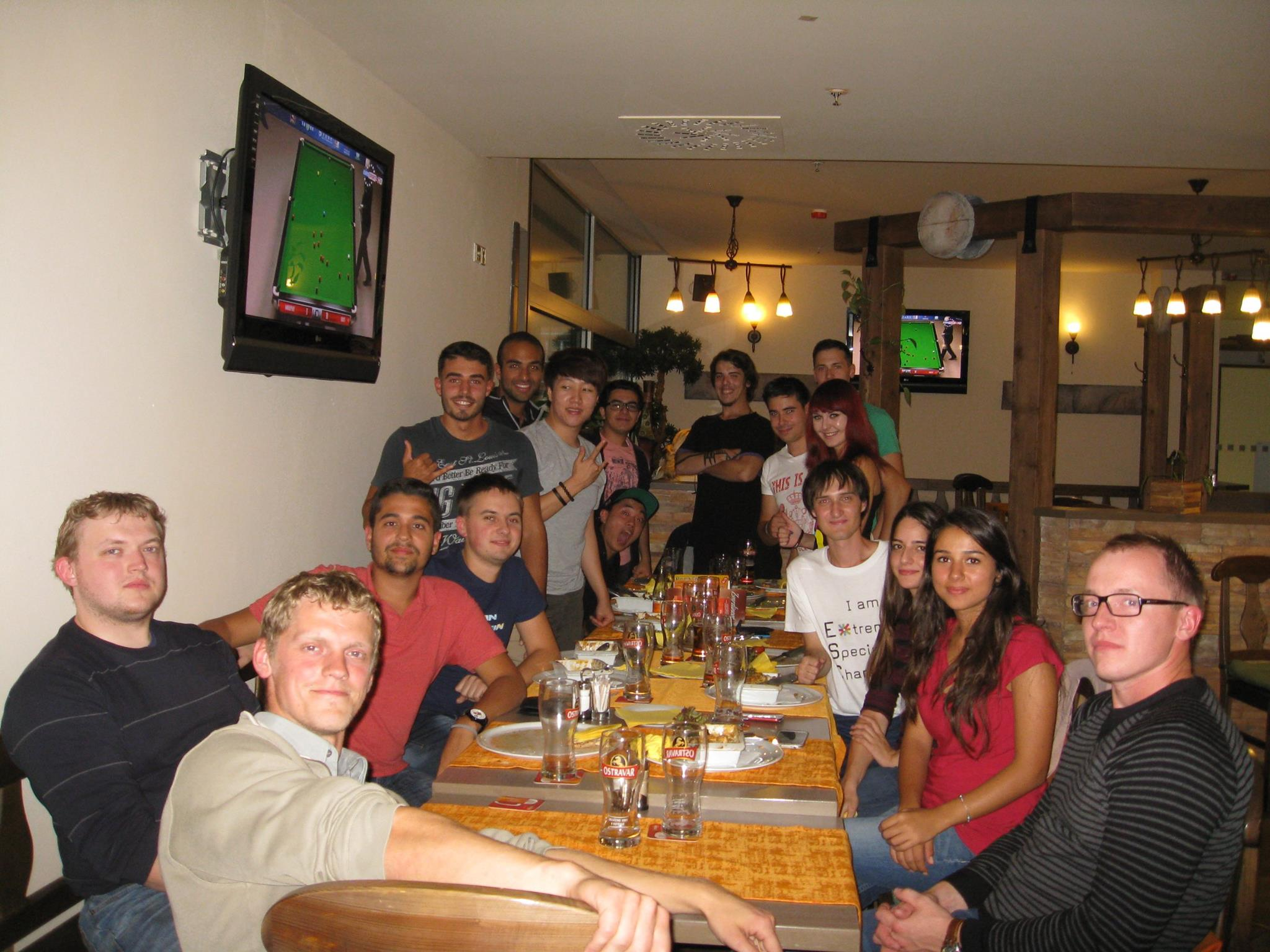 Na obědě s novými zahraničními studenty mé fakulty v průběhu orientačních dní
