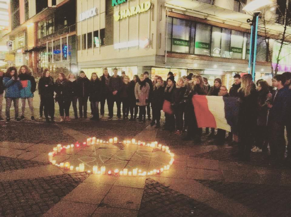 Gathering of students from the whole world in Jyväskylä 14.11.2015 after Paris attacks (photo by Vasco Torgal)